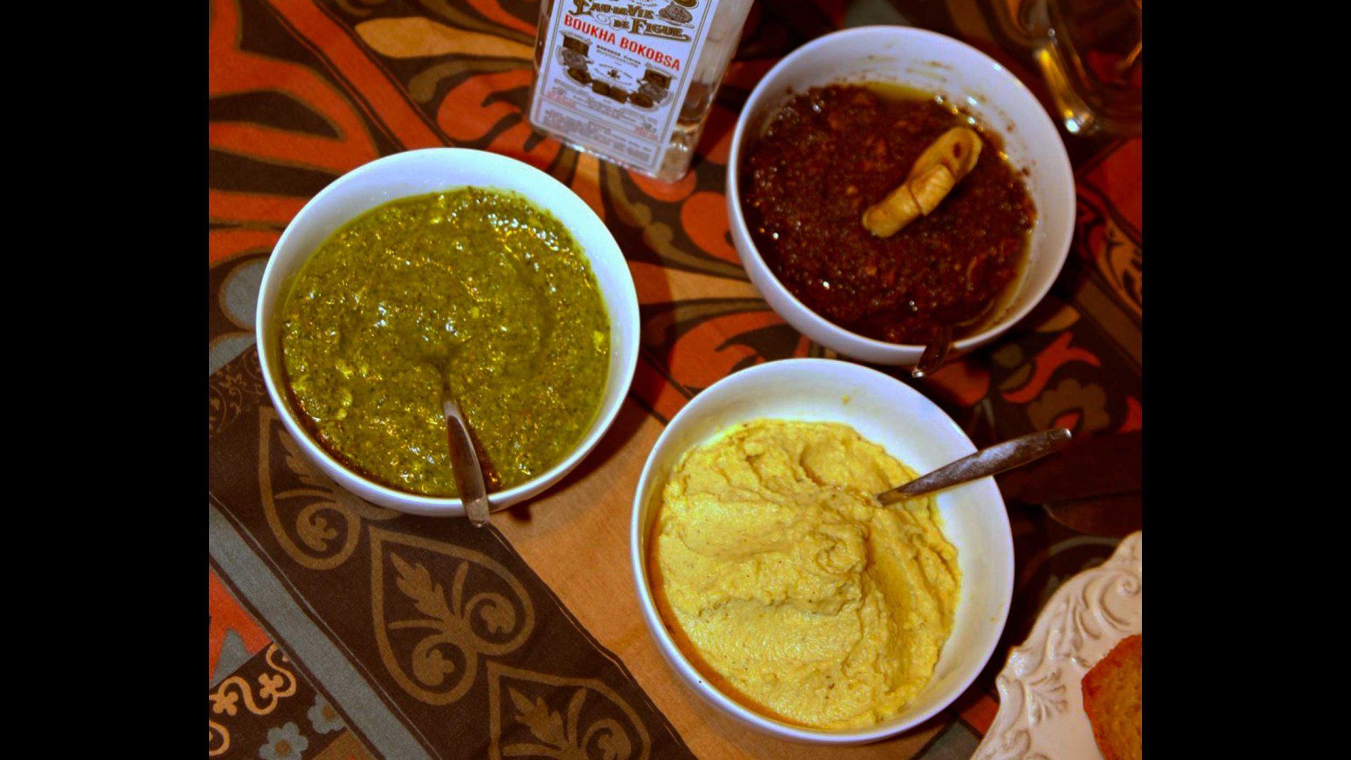 טאפנד בבוחה ודבלים, פסטו צאן, ארטישוק בלימון כבוש ושמן זית