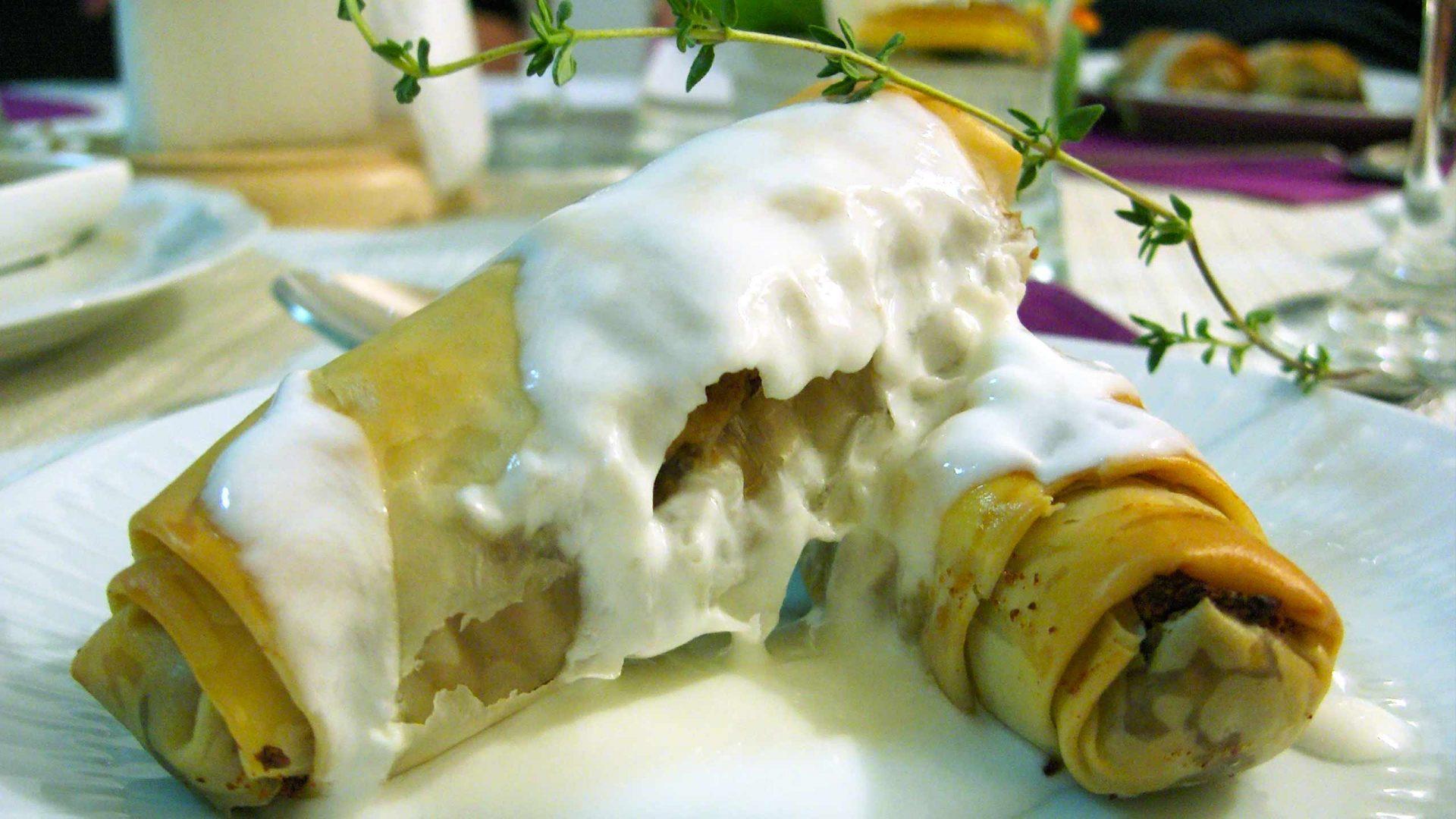 אגרול גבינת עיזים ותמרים