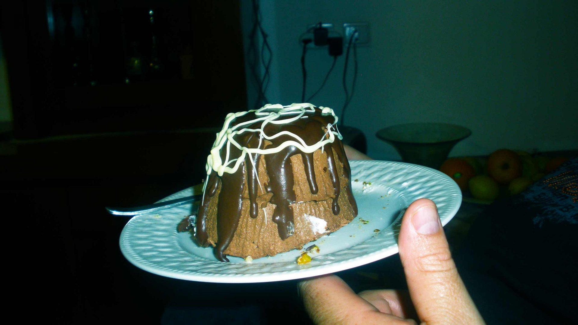 מוס שוקולד קטיפתי בכיפות אישיות