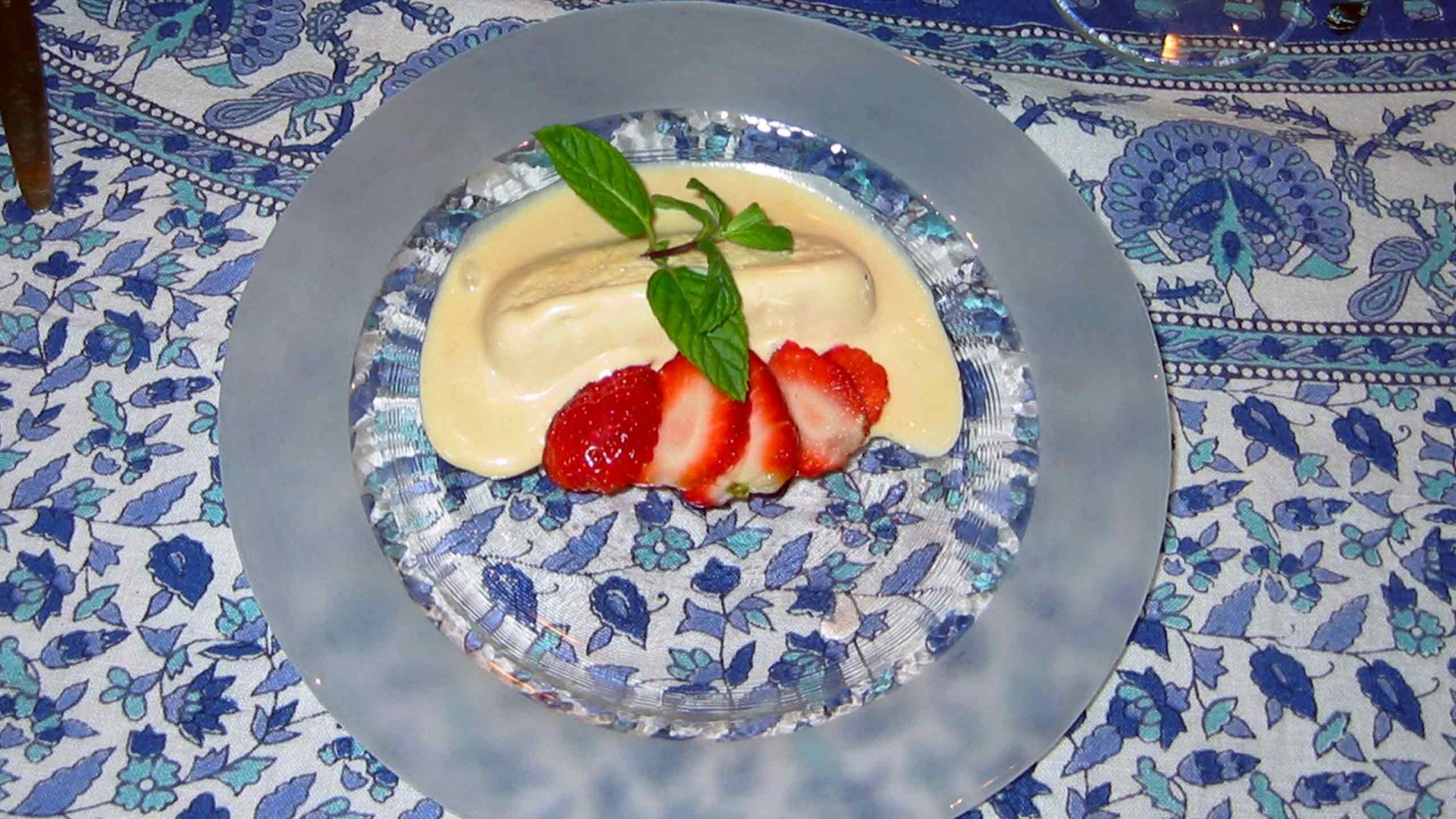 מוס חלבה - מסעדת התרווד הורוד