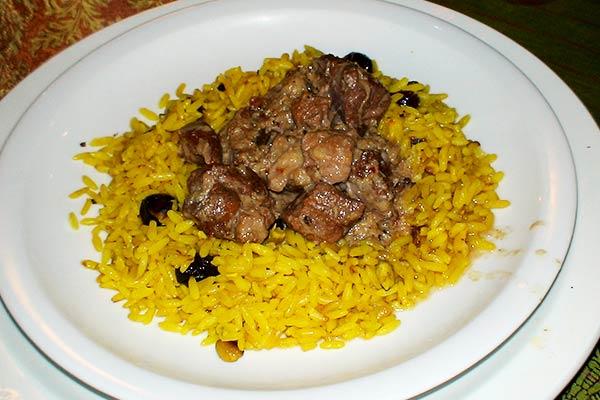 תבשיל טלה עם אורז בזעפרן