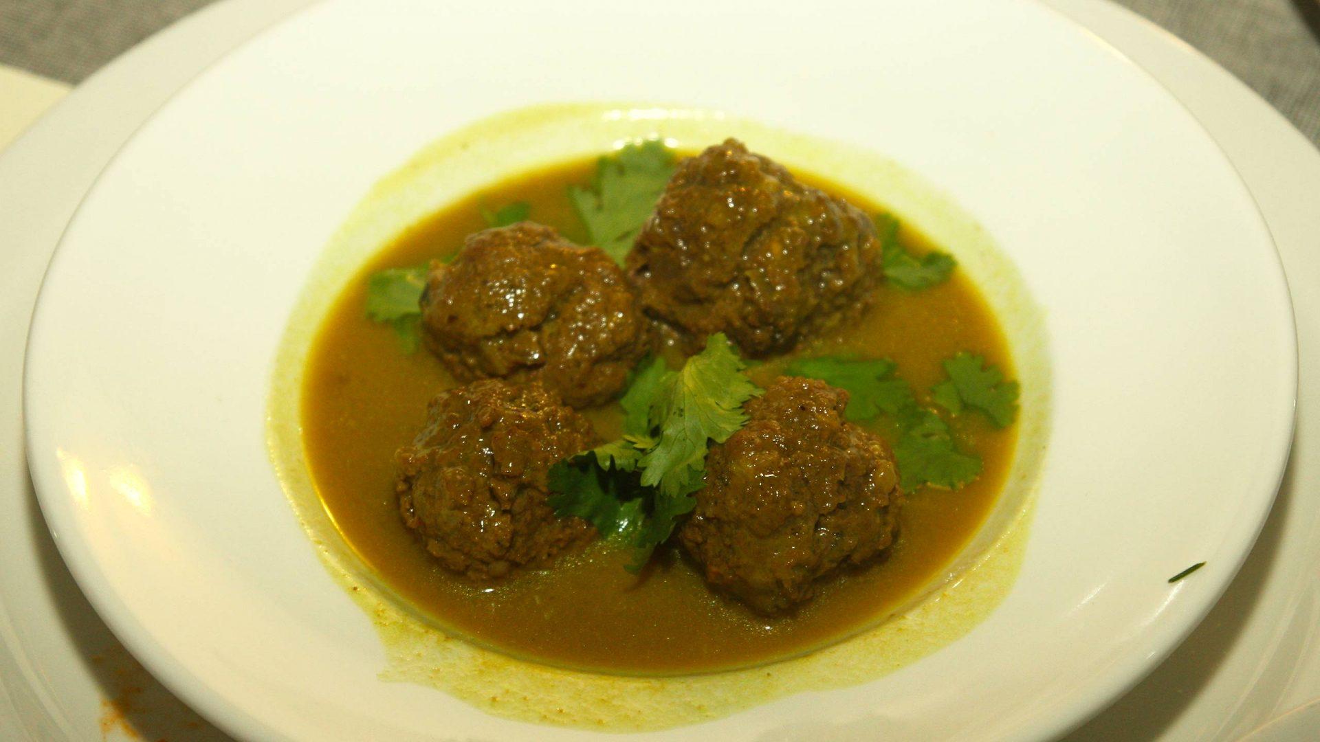כדורי בשר תאילנדים בליווי פאייה