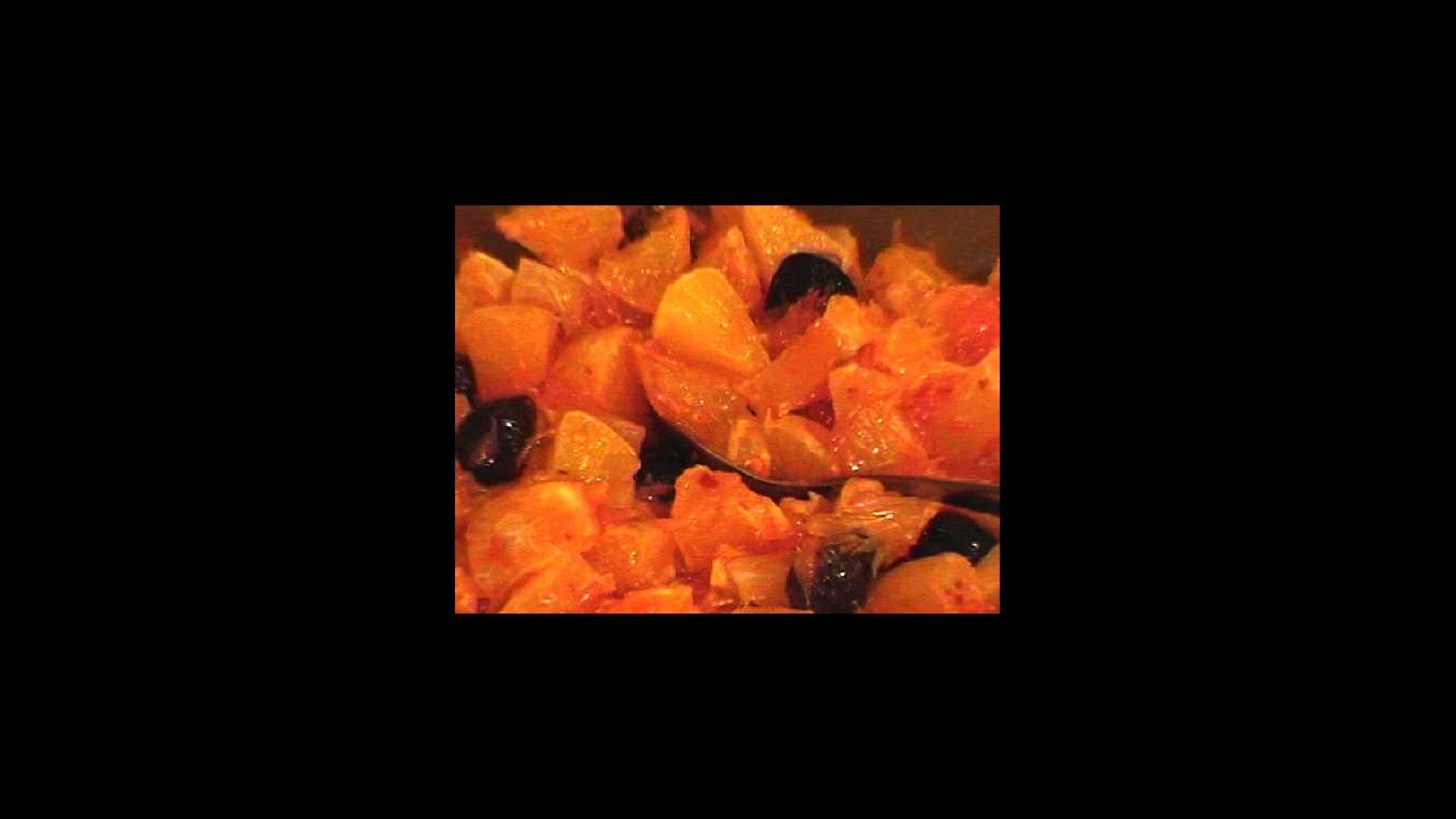 סלט תפוזים וזיתים שחורים