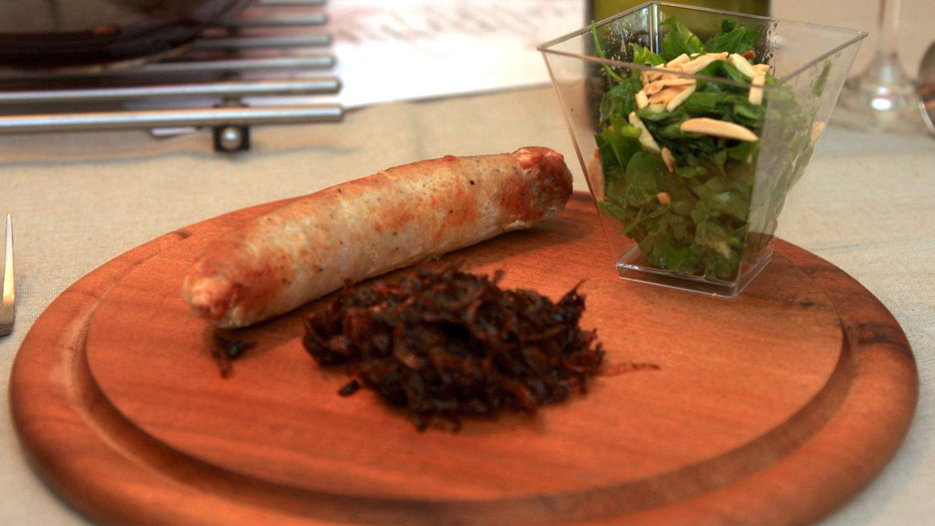 סלסילצ'ה - נקניקית חזיר עם פרמז'ן אניס וחוטי בצל