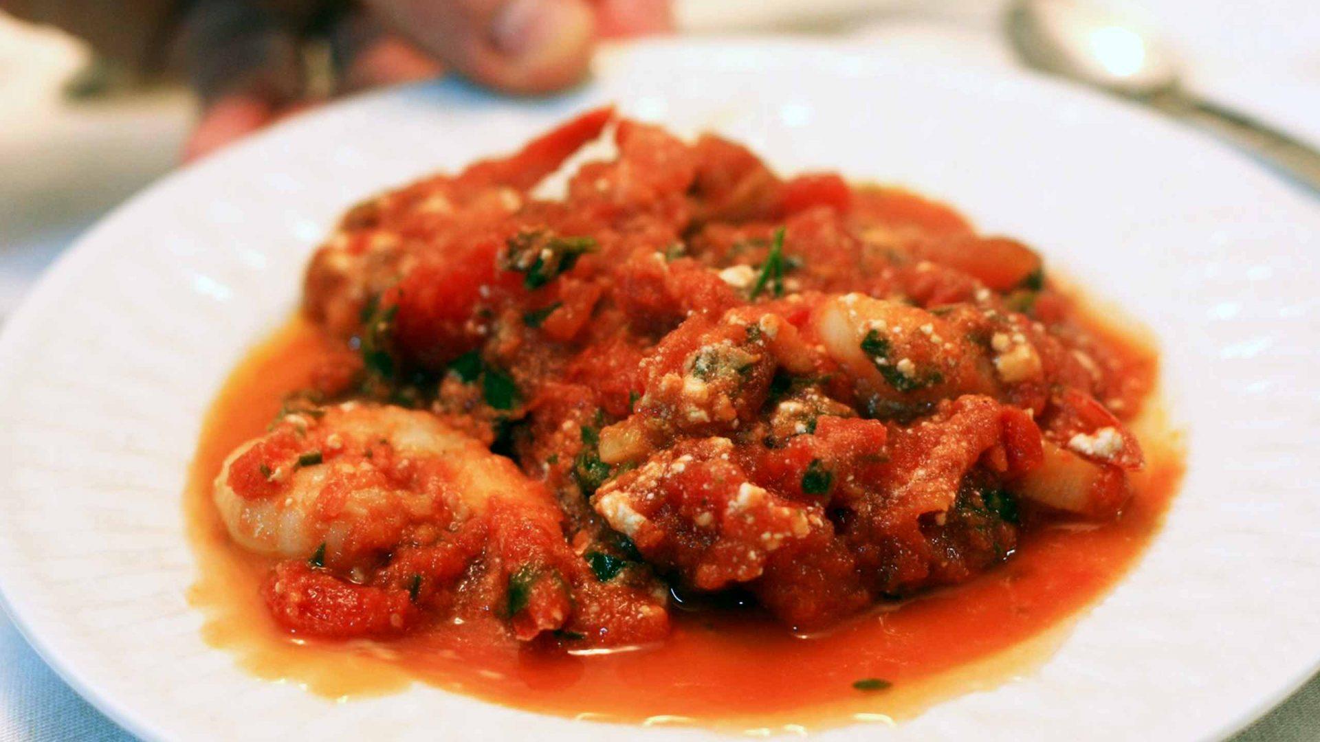 שרימפס עם גבינת פטה ברוטב עגבניות