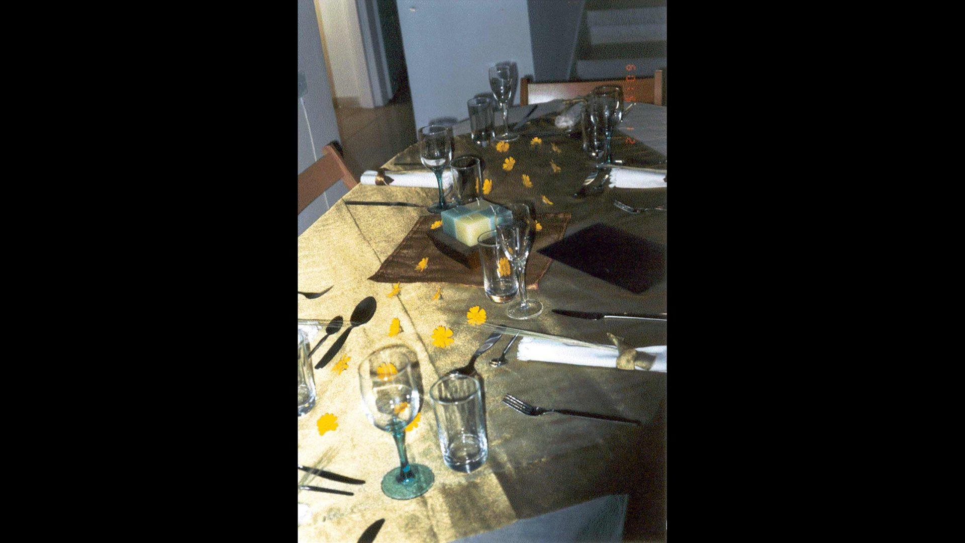 שולחן ארוחת השנה הראשונה