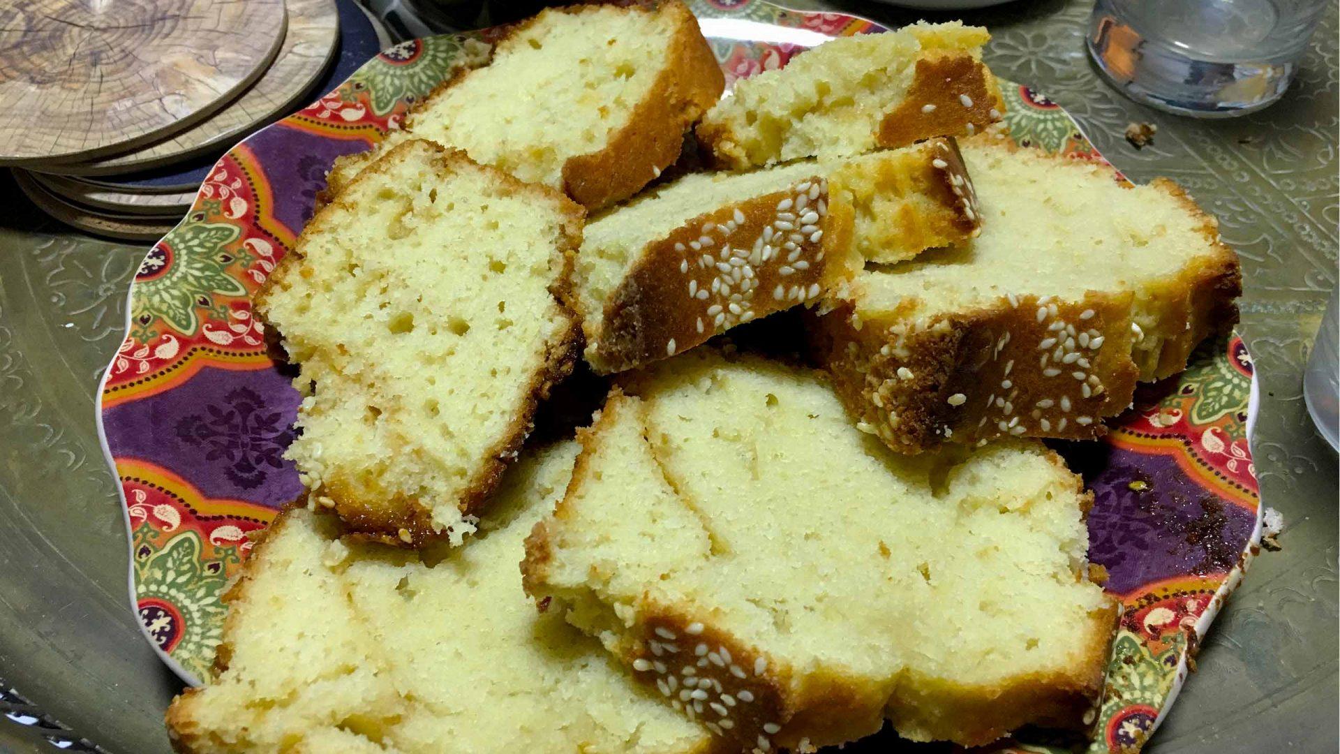 עוגת טחינה ושומשום