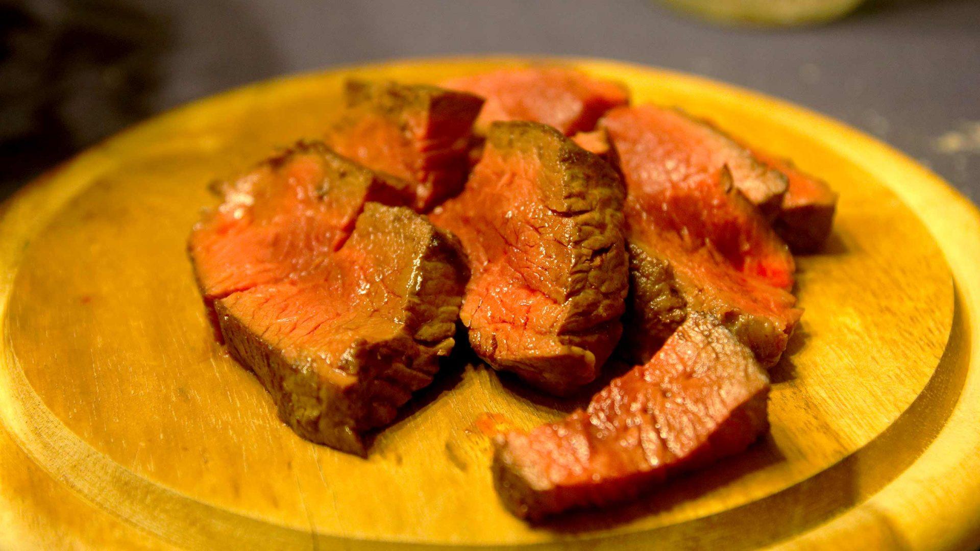 לא לצמחונים – תפריט טעימות בשר