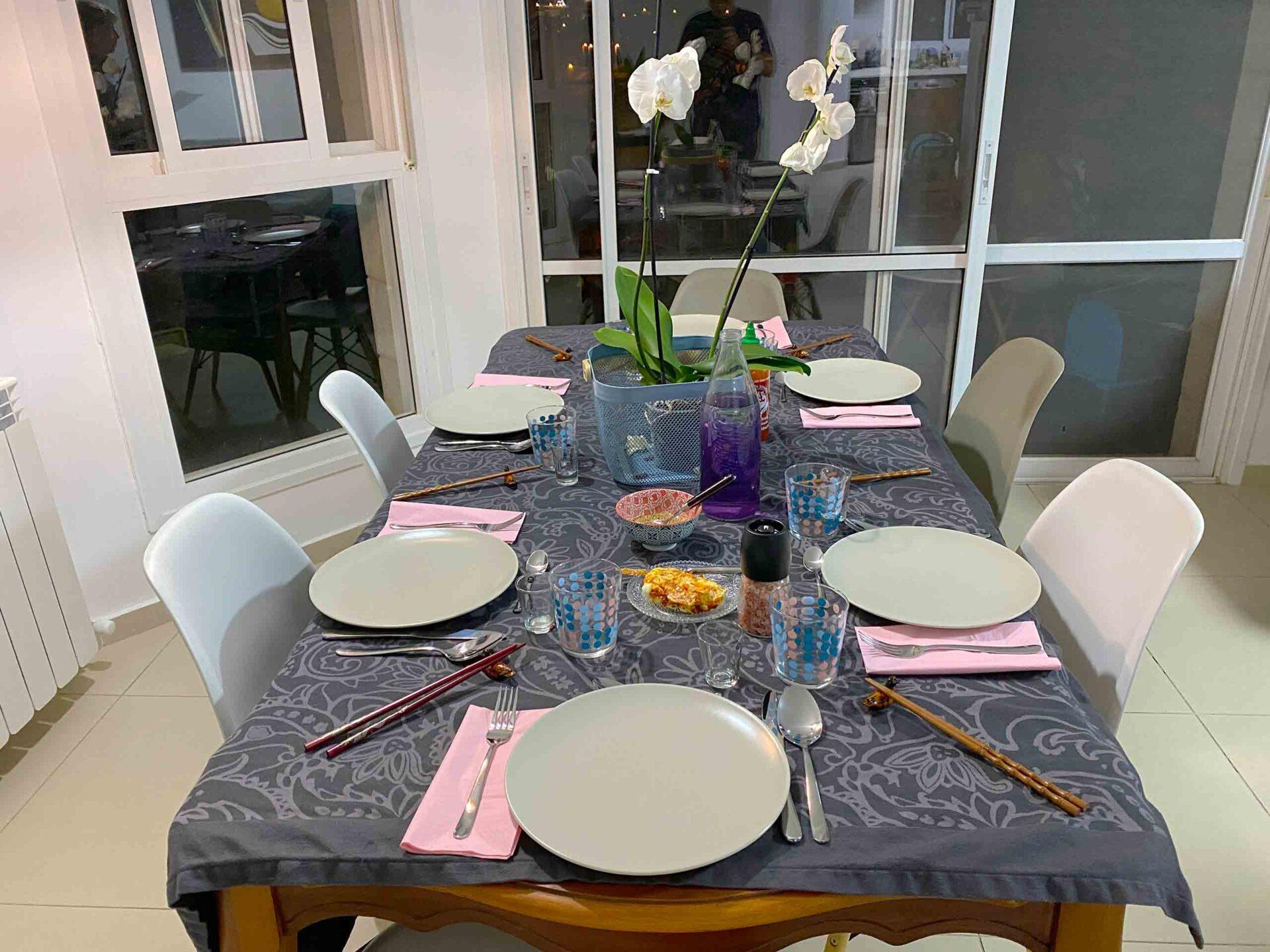 ארוחה-קוריאנית-השולחן